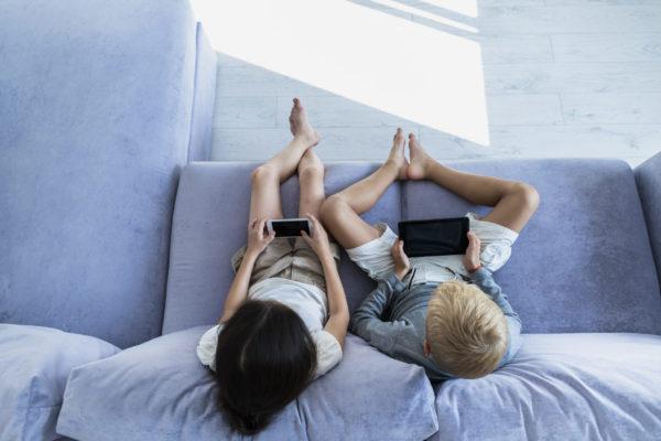 Wie EMF die Gesundheit von Kindern beeinträchtigen