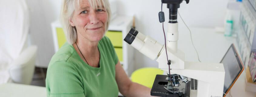 Dark field microscopy - electrosmog exposure visible during blood analysis_Britta Varnhorn